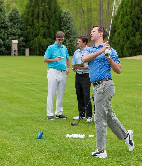 professeur de golf avec l'ES12